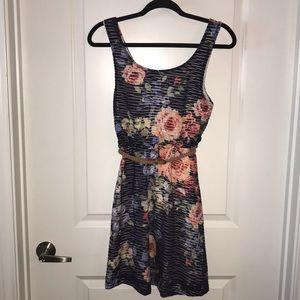 Dresses & Skirts - Mid length blue dress with floral print